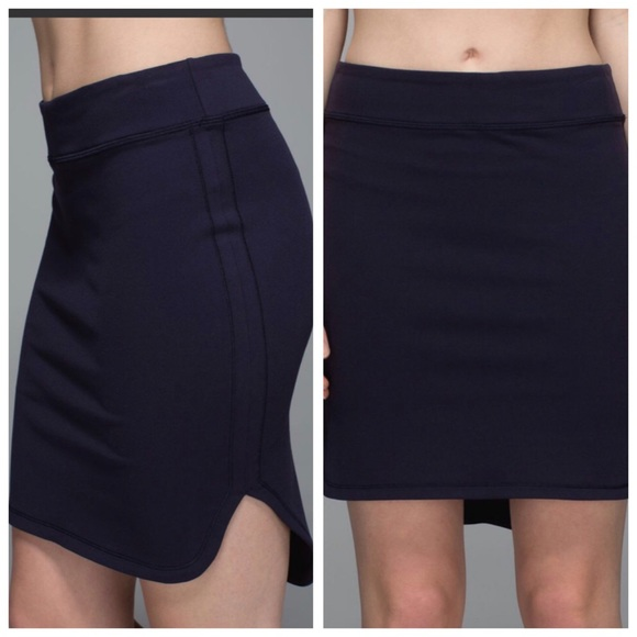 lululemon athletica Dresses & Skirts - Lululemon City Skirt Hi Lo Navy Blue Size 10